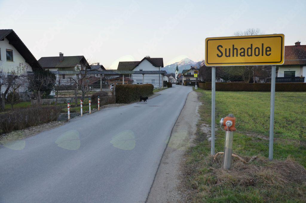 No, pa sem spet v domači vasi.