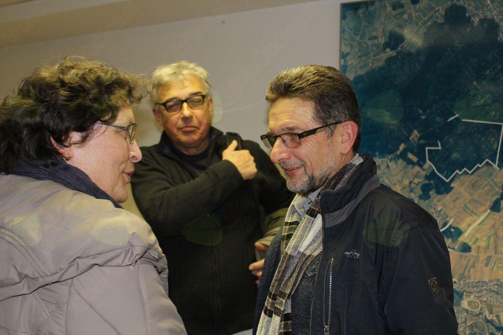 Dr. Ivan Štuhec je bil tudi po uradnem delu večera v središču pozornosti.