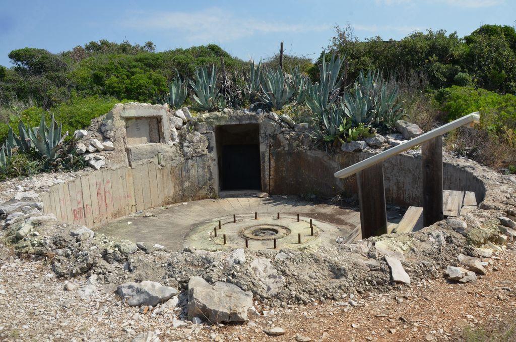 Kaj vse od vojne in po njej skrivajo jadranski otoki?