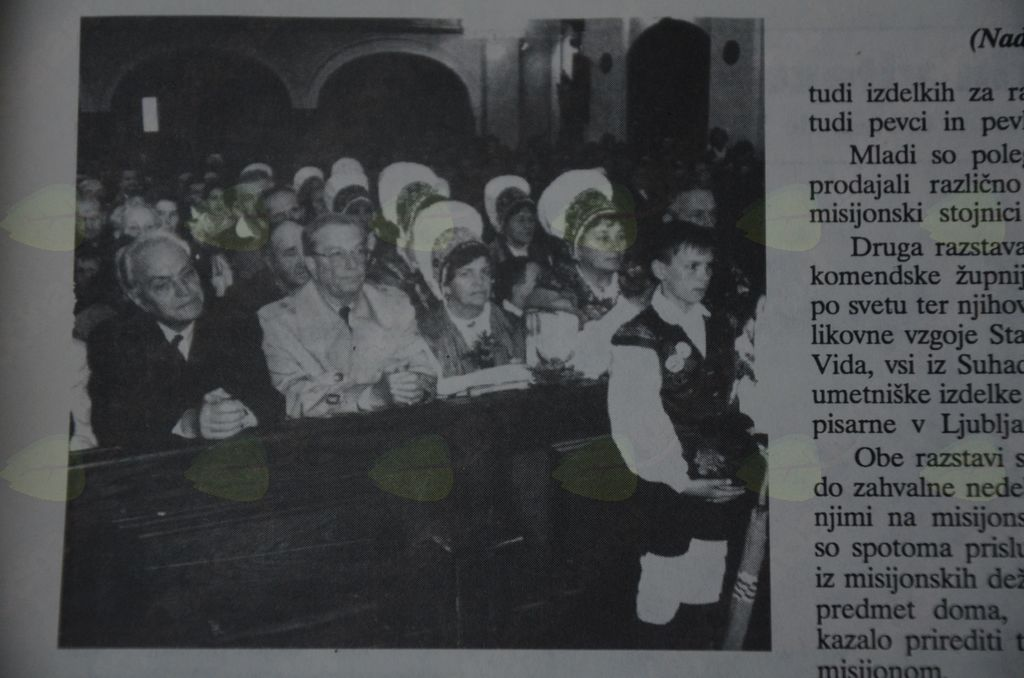 Alojz Rebula (prvi z leve) na osrednji slovenski misijonski proslavi 23. oktobra 1994 v Komendi.