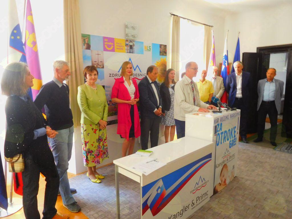 Tiskovna konferenca, na kateri sem podala predlog, da se v slovenskem parlamentu uredi prostor z živim Jezusom