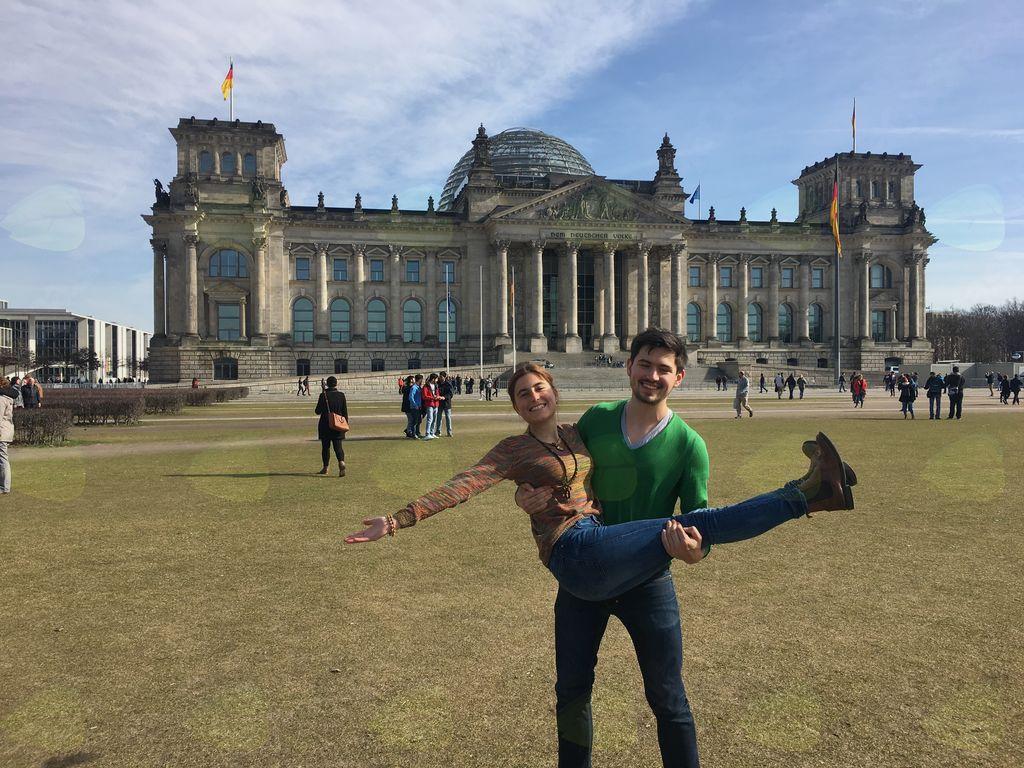 Gregor Oprčkal s sestro Urško v Berlinu.