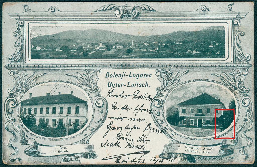 Razglednica Dolnjega Logatca, poslana 12. 9. 1898. Desno spodaj pitnik pred nekdanjo kapelico sv. Jožefa (vir: Zbirka starih razglednic Knjižnice Logatec)