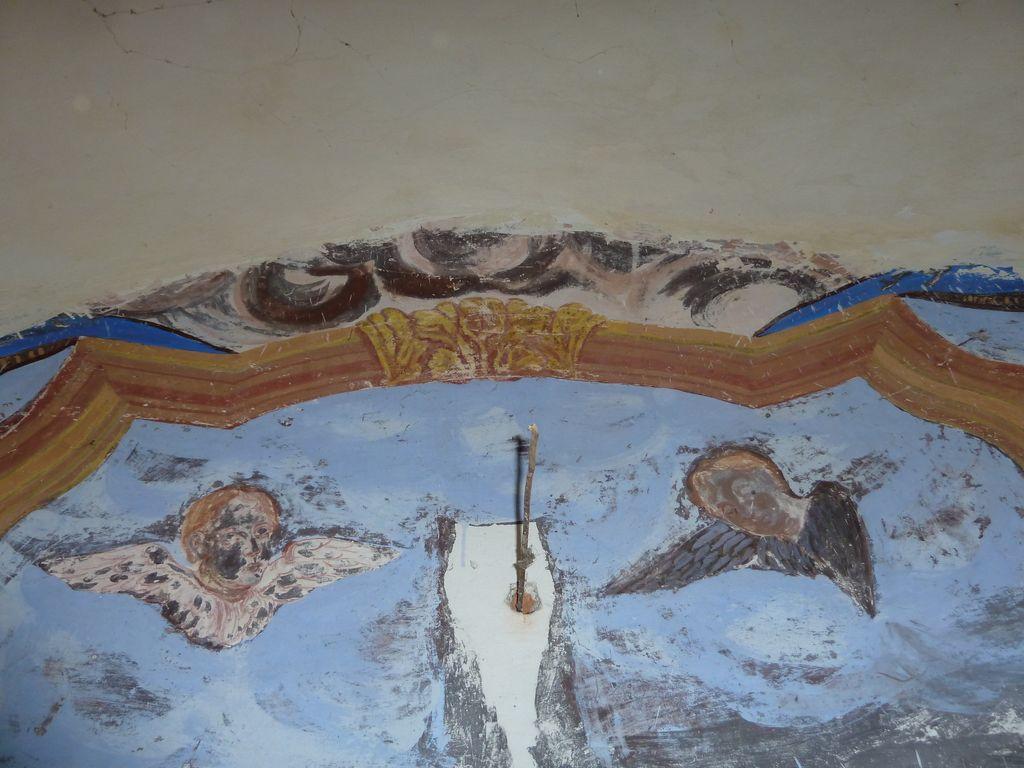 Izrez poslikave na vzhodni steni z angelcema (foto: S. K.)