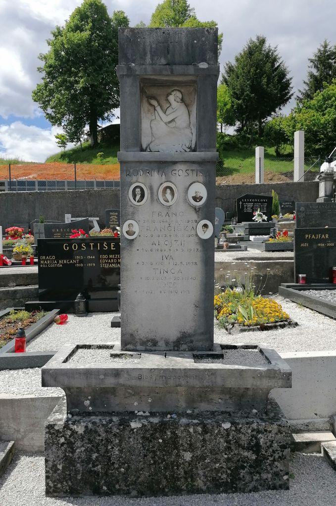 Nagrobni spomenik Gostiševih na pokopališču v Gornjem Logatcu (foto: S. K.)