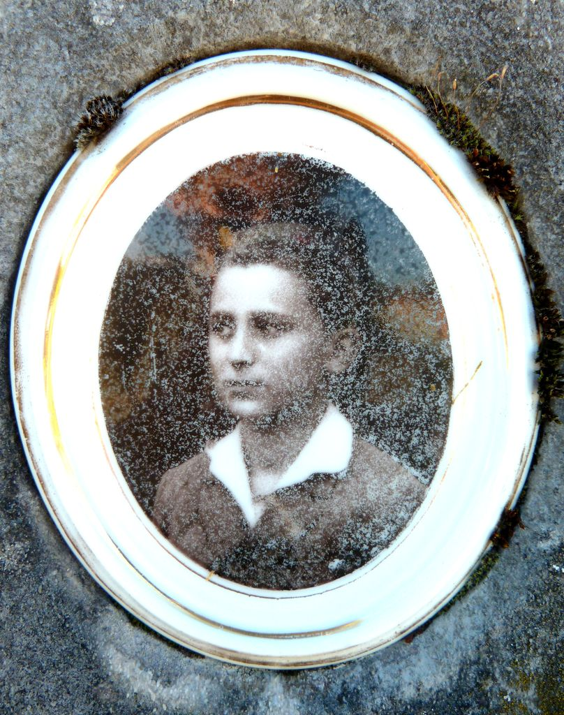 Portret Vinka Ambrožiča, fotografija na keramiki (foto: S. K.)
