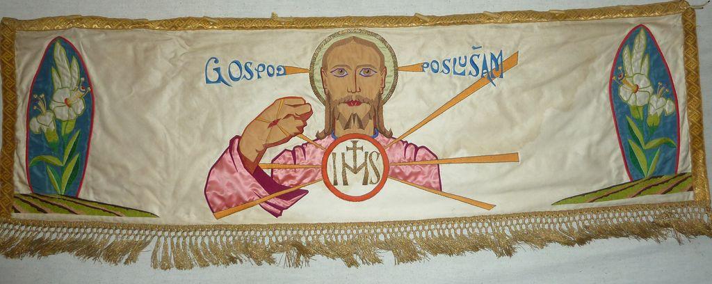 Jezus Kristus s hostijo, ob strani liliji (foto: S. K.)