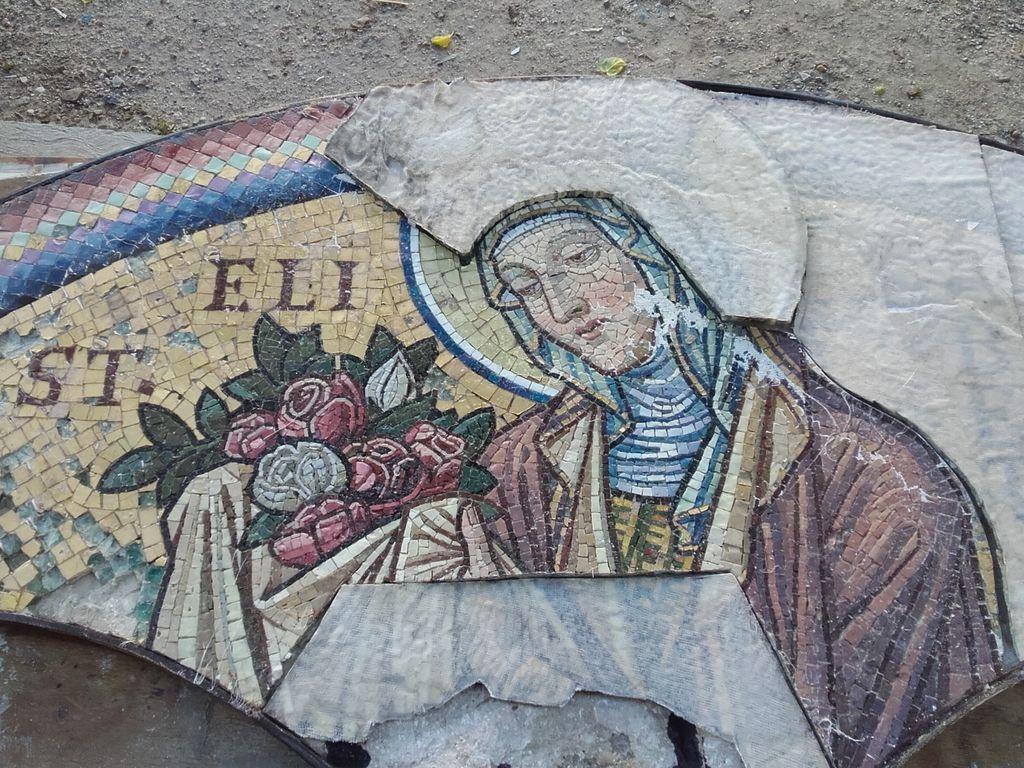 Mozaik sv. Elizabete Ogrske med restavriranjem v Restavratorskem centru v Ljubljani (foto: Anton Naglost)