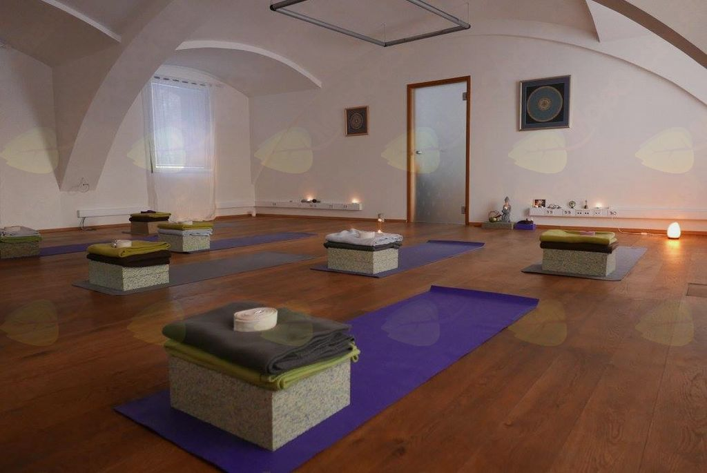 Začetni tečaj hatha joge - uvodna ura