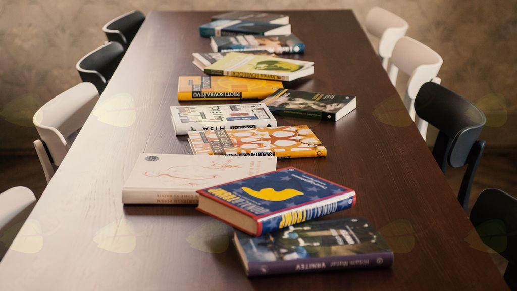 Skrivno življenje knjig, literarna omizja