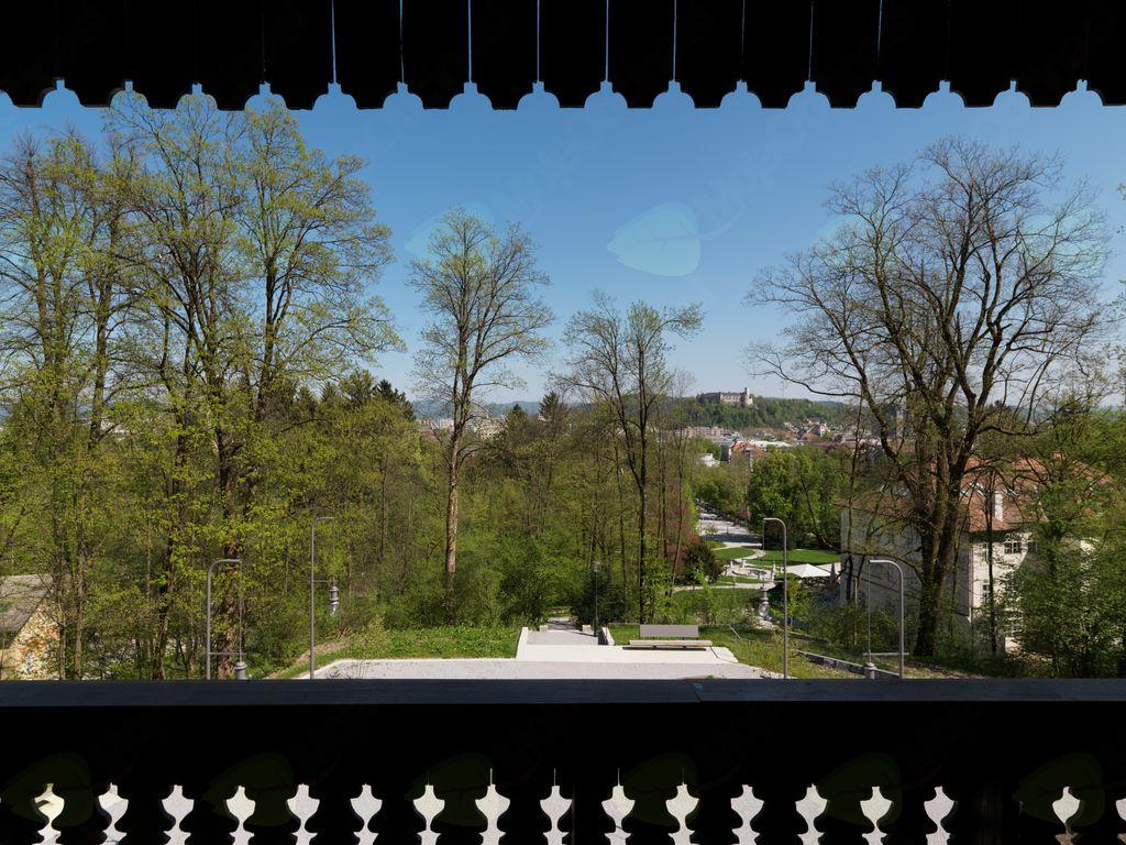 Vodstvo po razstavi Švicarija: skupnost, umetnost in narava
