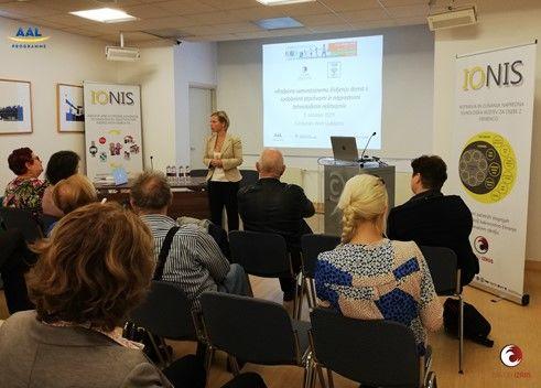 Predstavitev sodelujočih in prevajanje: mag. Neja Samar Brenčič, Zavod IZRIIS