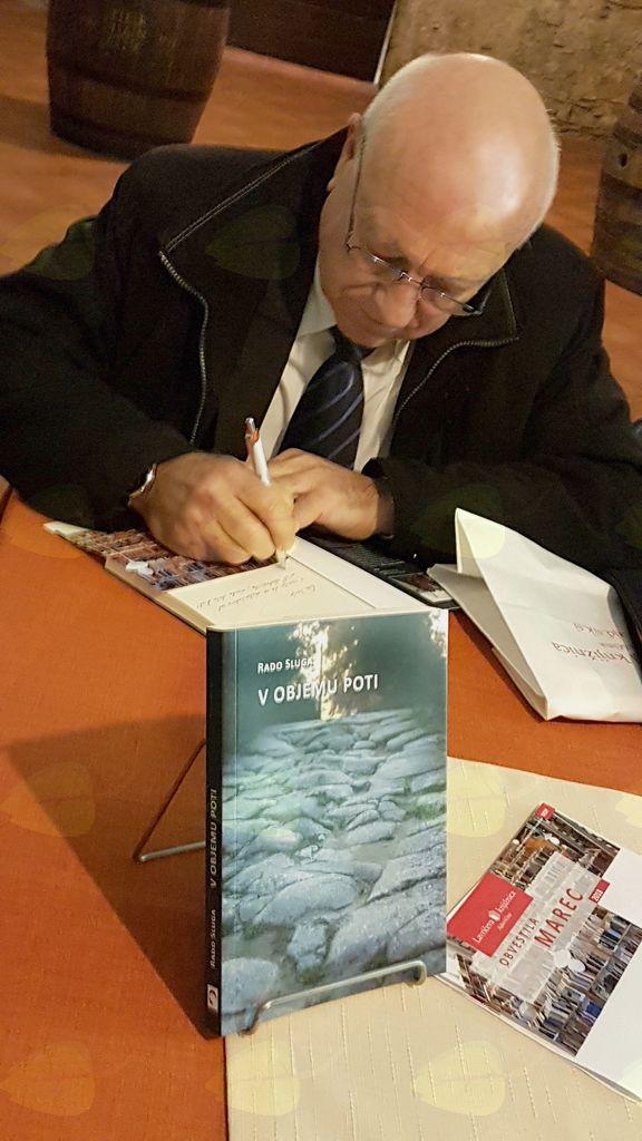 Predstavitev knjige 'V objemu poti'