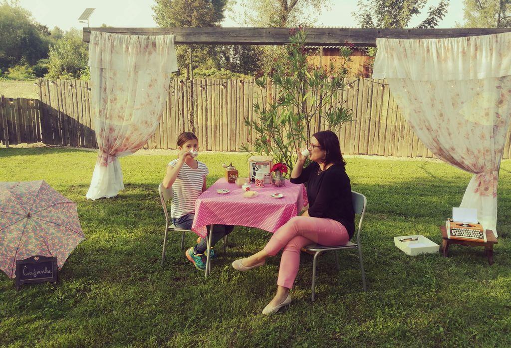 obiskovalki rojstnodnevne zabave na Čajanki