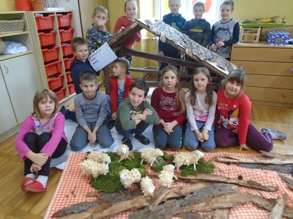 Učenci POŠ Nova Cerkev ustvarjali za Božični Vojnik, foto: arhiv POŠ NC