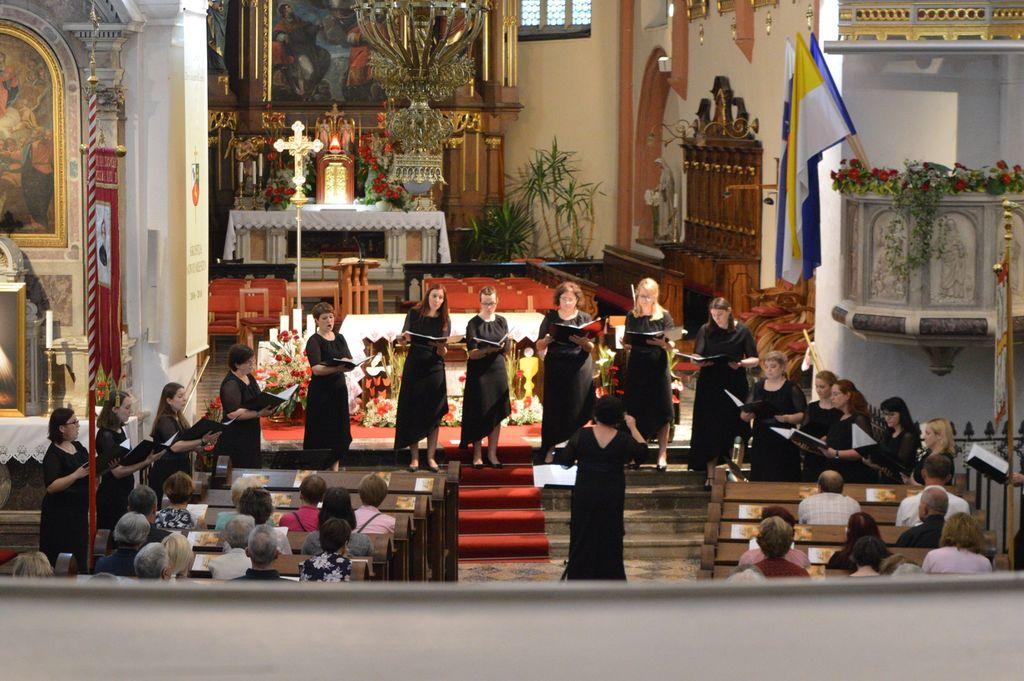 Vsestranska zborovodja: Tjaša Primc in Jernej Fabijan