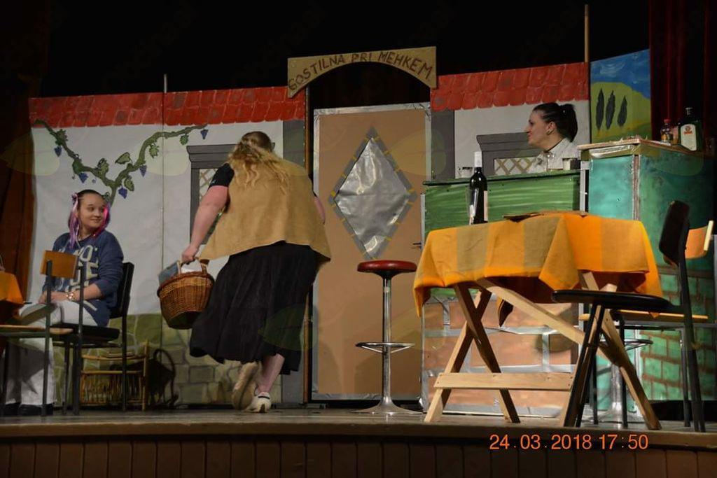 Oderska predstavitev komedije SKOK ČEZ PLOT v izvedbi Kulturnega društva BROD Trbonje