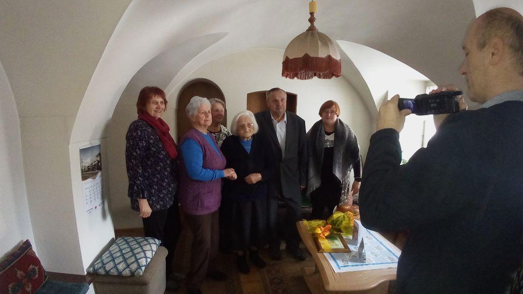 Delegacija DU Logatec-Milena Šemerl, Marija Modrijan, Ema Bolčina, , Vladislav Puc, Jelka Kožman