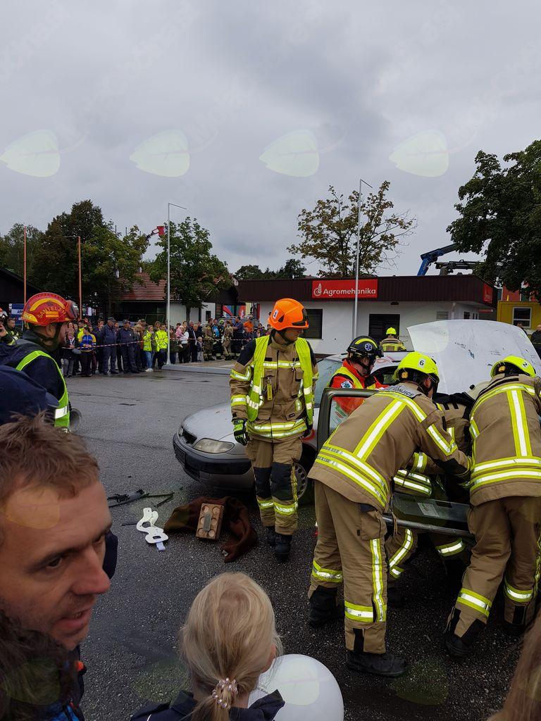 Reševanje iz ukleščenega avtomobila