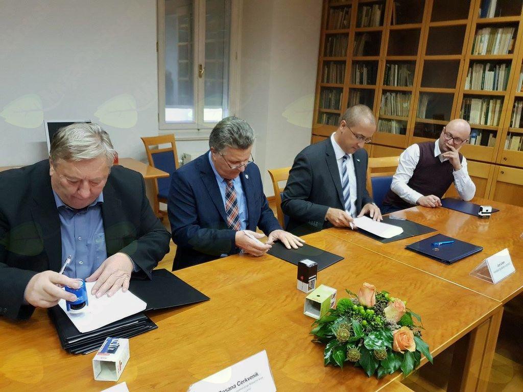 Podpis Sporazuma o upravljanju Klasičnega krasa kot območja svetovne dediščine