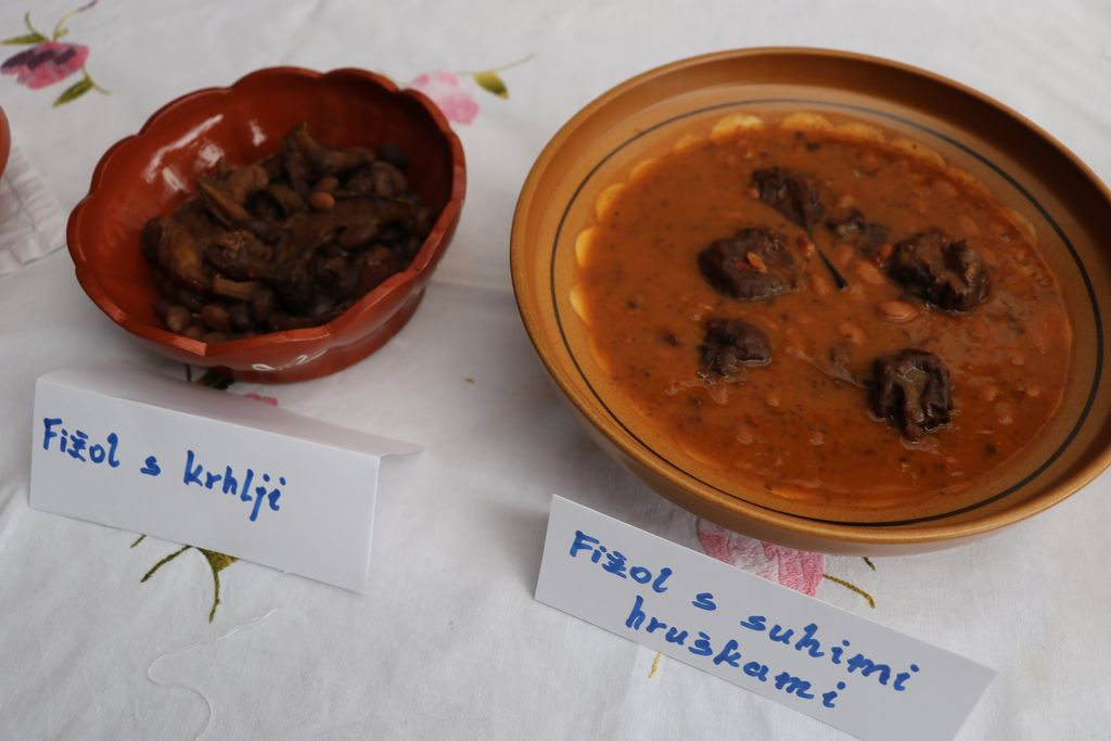 Razstava starih tradicionalnih jedi