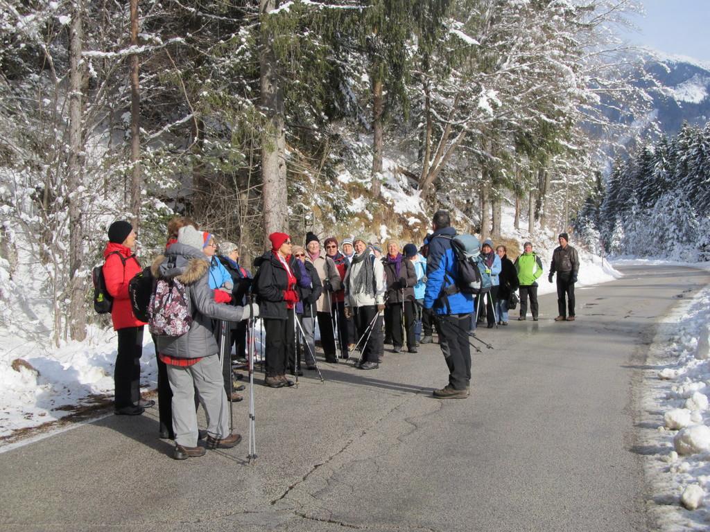 Vandrovke obiskale planinski muzej v Mojstrani in slap Peričnik