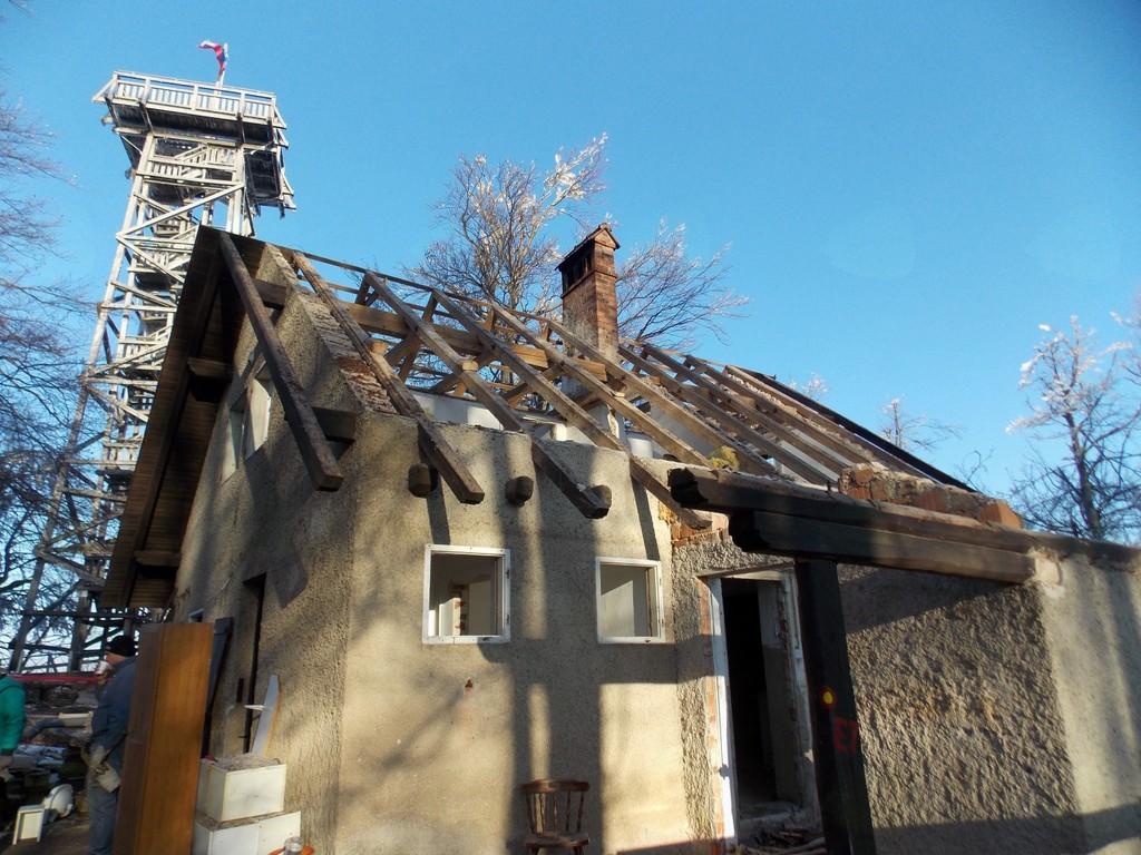 Zavetišče ostalo brez strehe