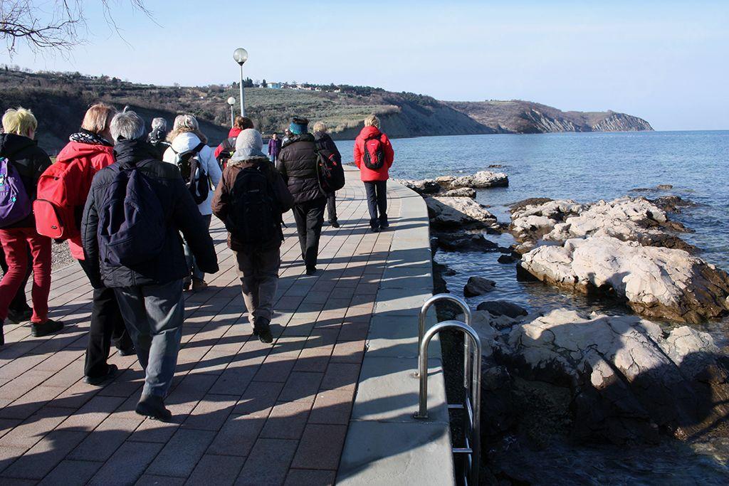 Pot nas je vodila mimo edinega predela slovenske obale, ki jo gradi apnenec