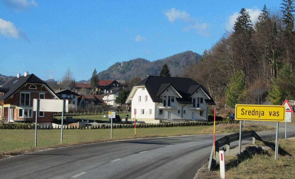 Obetajo se prenove državnih cest