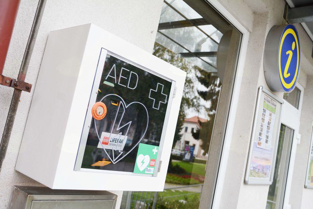 Vabilo na izobraževanje uporabe AED