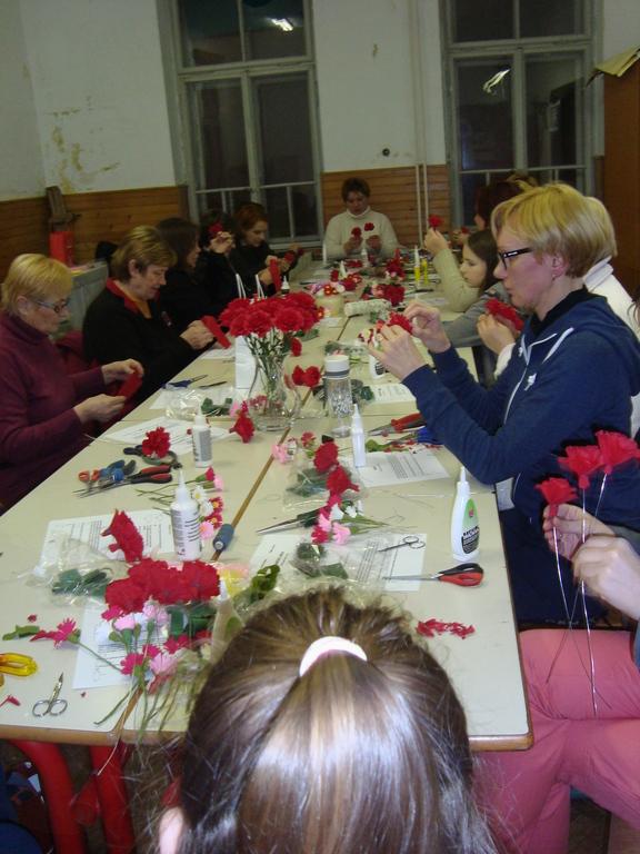 Rože iz papirja
