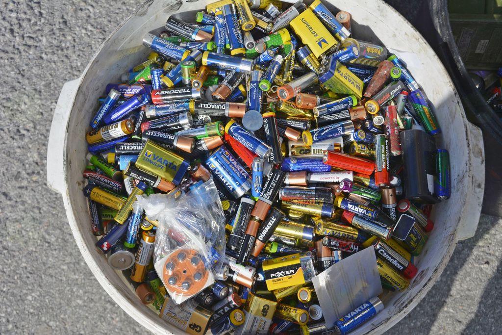 Zbirali nevarne odpadke