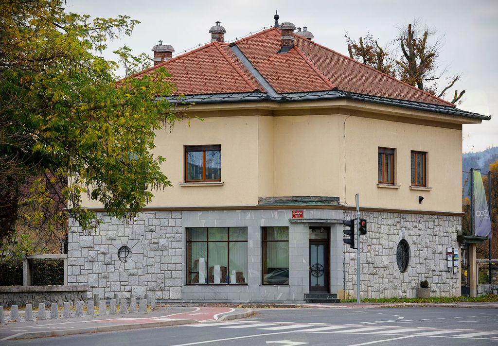 Kristanova hiša v Logatcu, kjer ''domuje