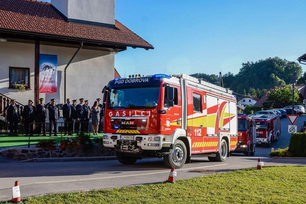 Šentjoški gasilci praznovali 60 let