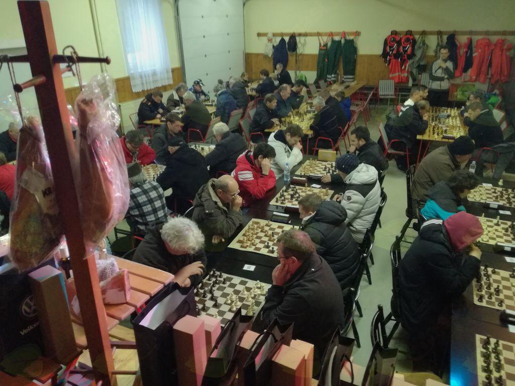Božično-novoletni turnir