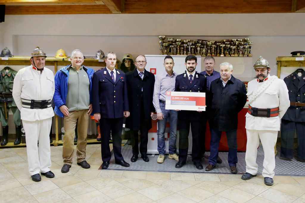 Donacija Zavarovalnice Triglav gasilskemu društvu Horjul