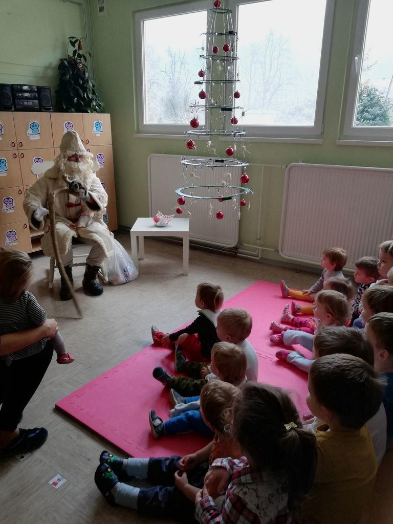 Veseli december v Vrtcu Borovnica, enota Breg