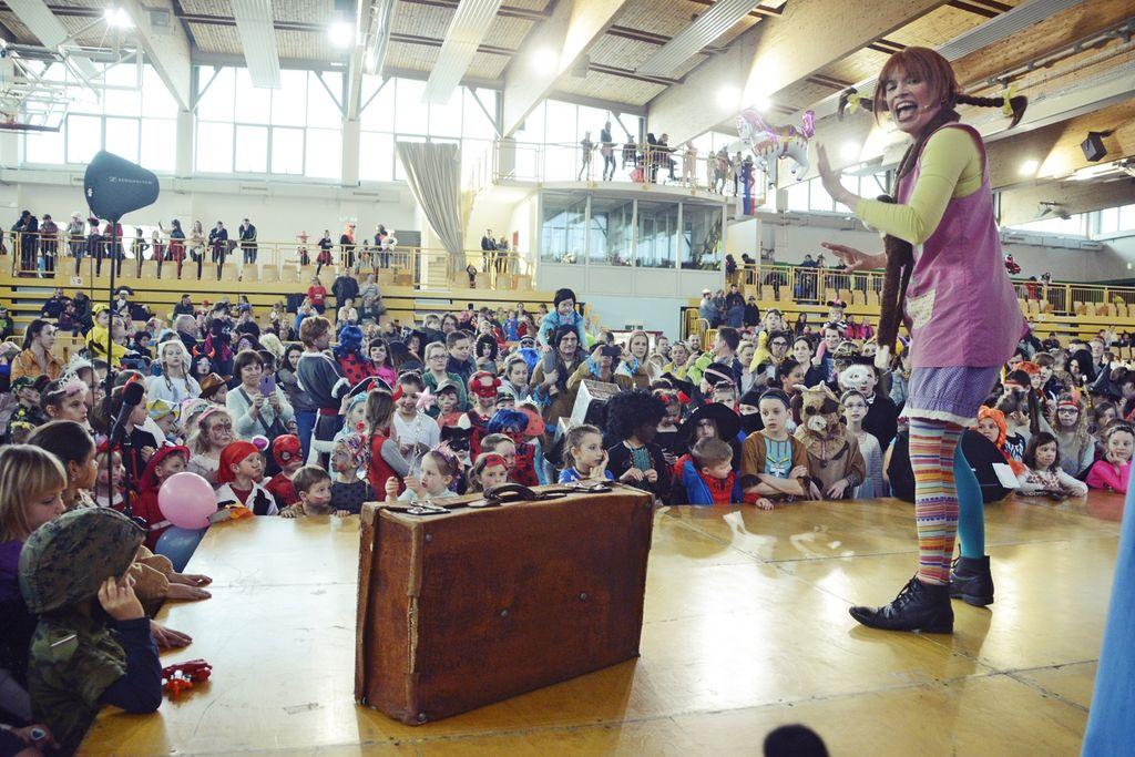 Otroško pustovanje ponovno napolnilo Slomškovo dvorano