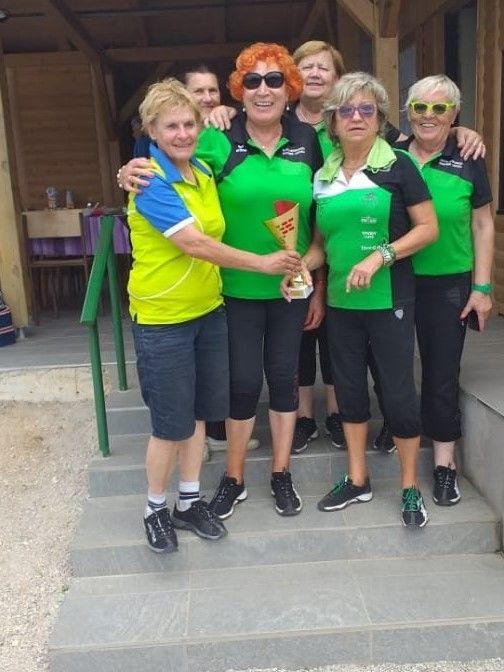 Ženska ekipa Dragomerja – prve v ženski notranjski ligi.