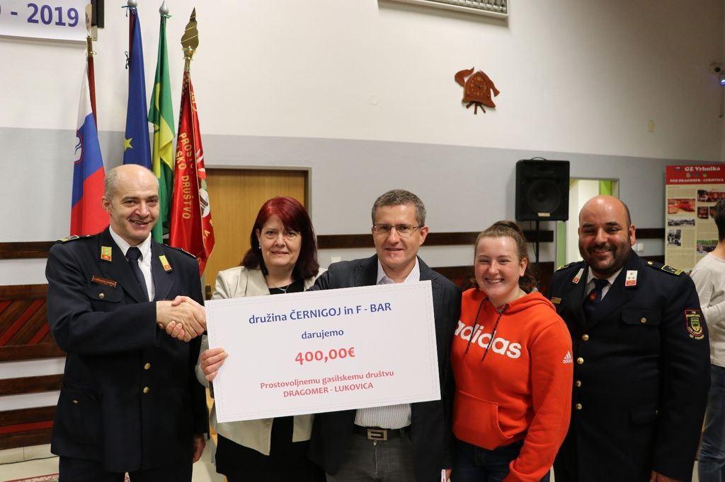 Donacija družine Černigoj in F-bara.