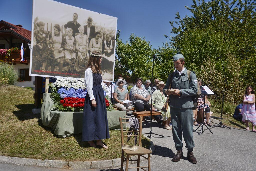 Peterle na spominski slovesnosti v Šentjoštu