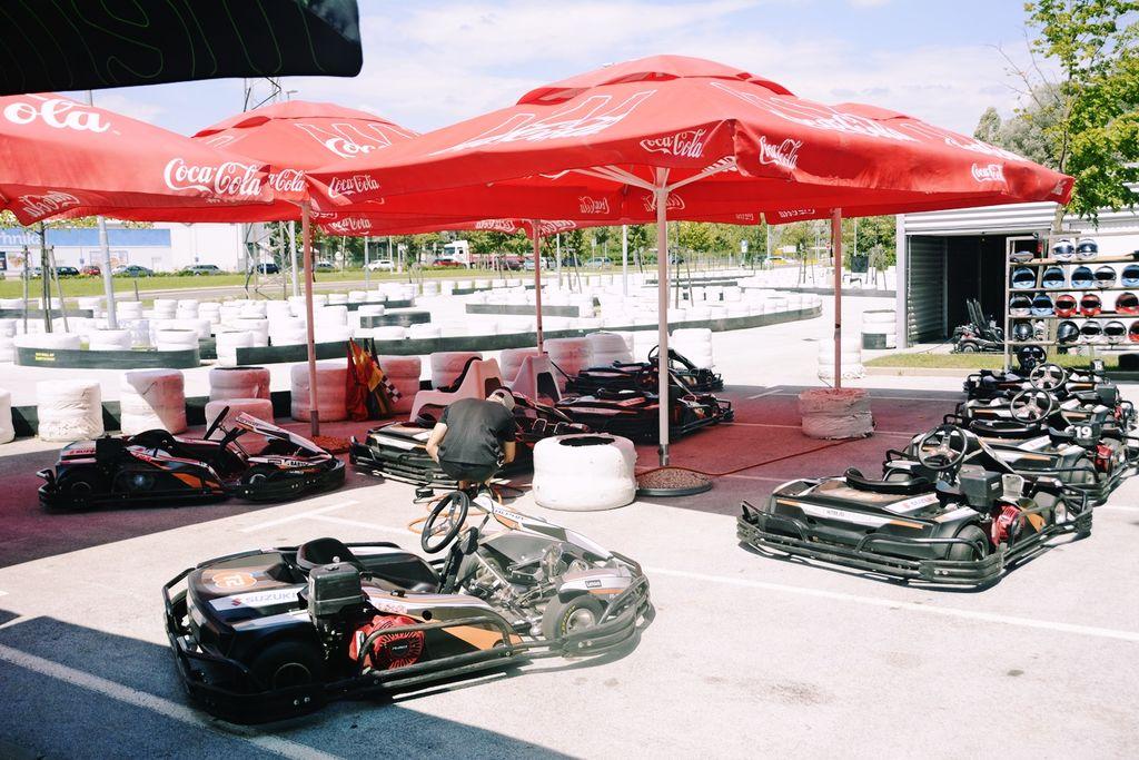 Na parkirišču pri Sinji Gorici po novem karting