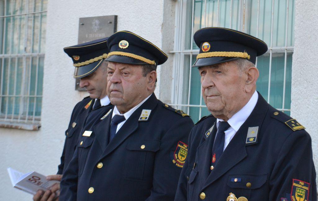 Predsednik društva Aleksander Remškar z ustanovnima članoma Dušanom Suhadolnikom in Jožetom Čamernikom