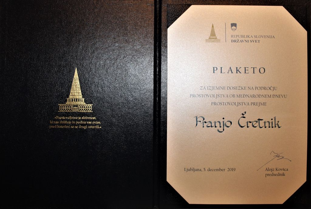 Plaketo Državnega sveta prejel predsednik ZŠAM Vrhnika Franjo Čretnik