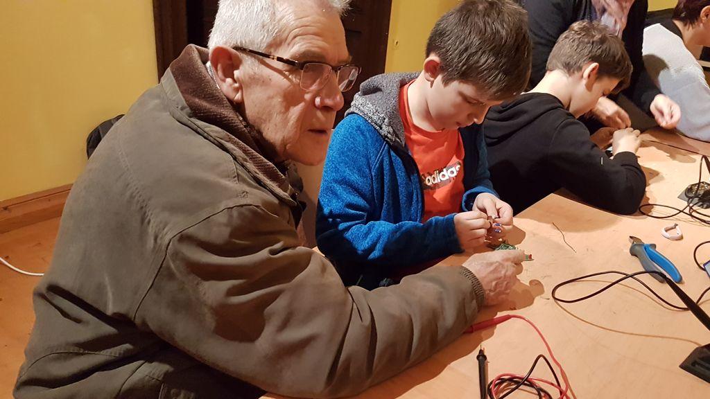 Elektronske smrečice na Miklavževem sejmu
