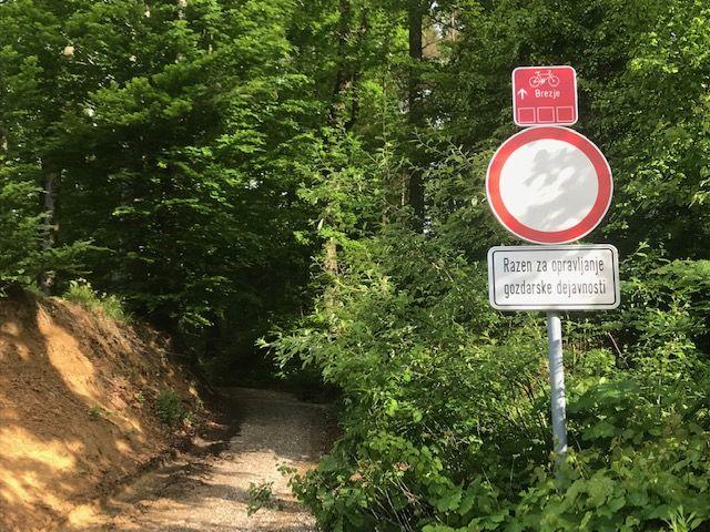 Gozdovi niso za avte in motoriste ter sebične kolesarje