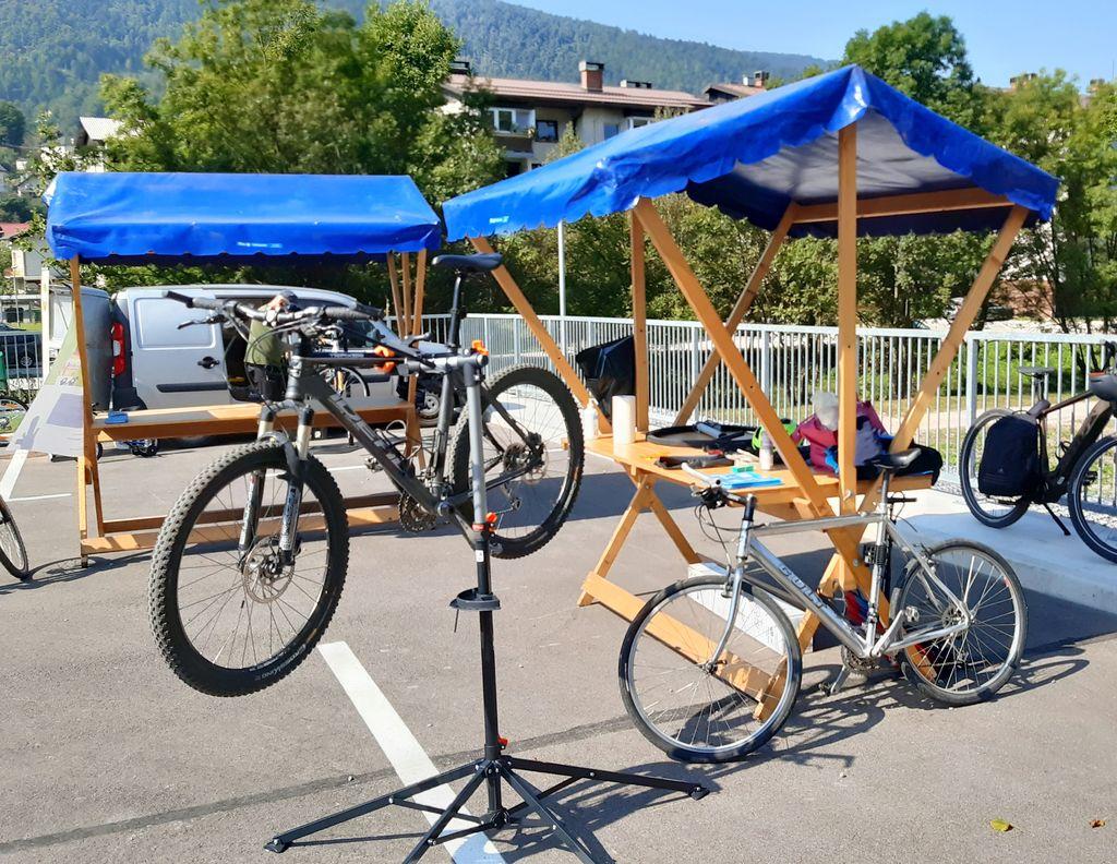 Delavnica popravila koles
