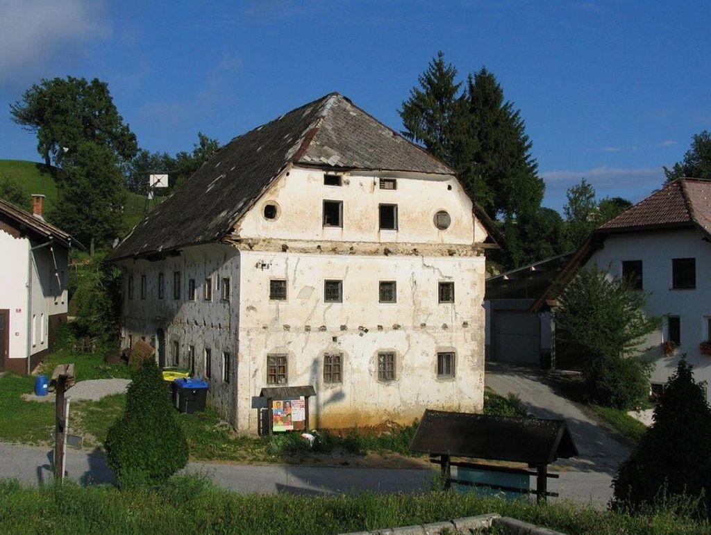 Možinetova hiša leta 2003