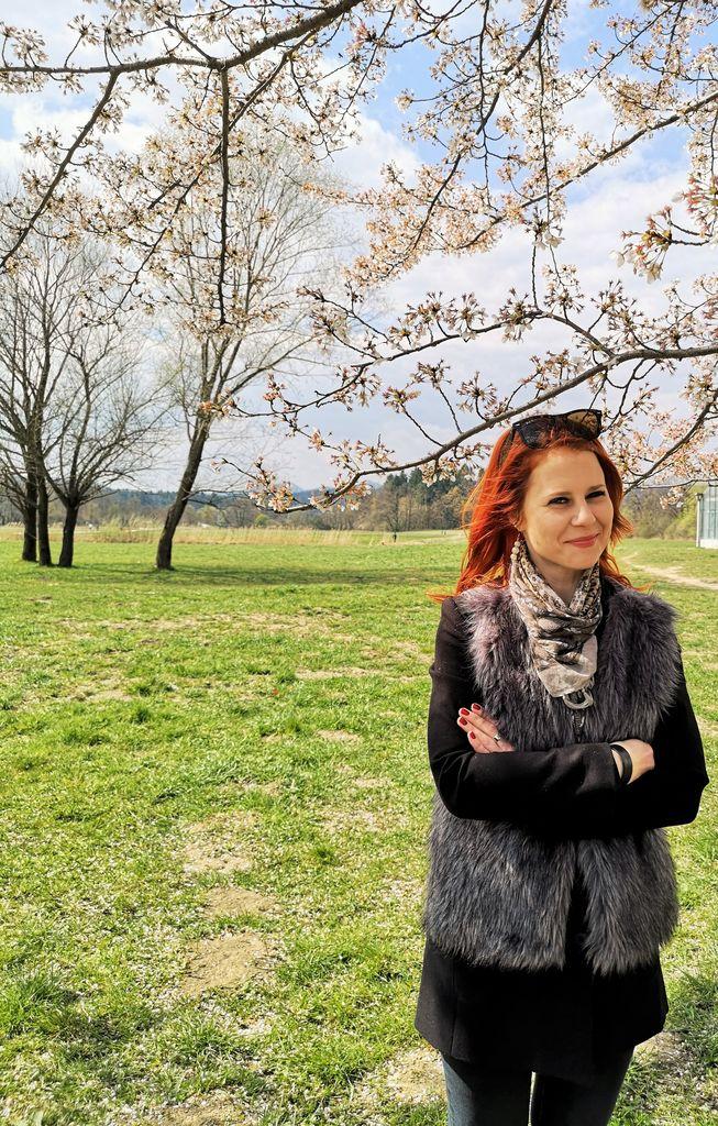 Nina Slana - fotografija je nastala spomladi 2020, ko nošenje obraznih mask na prostem ni bilo obvezno (Foto: Renny Rovšnik )..