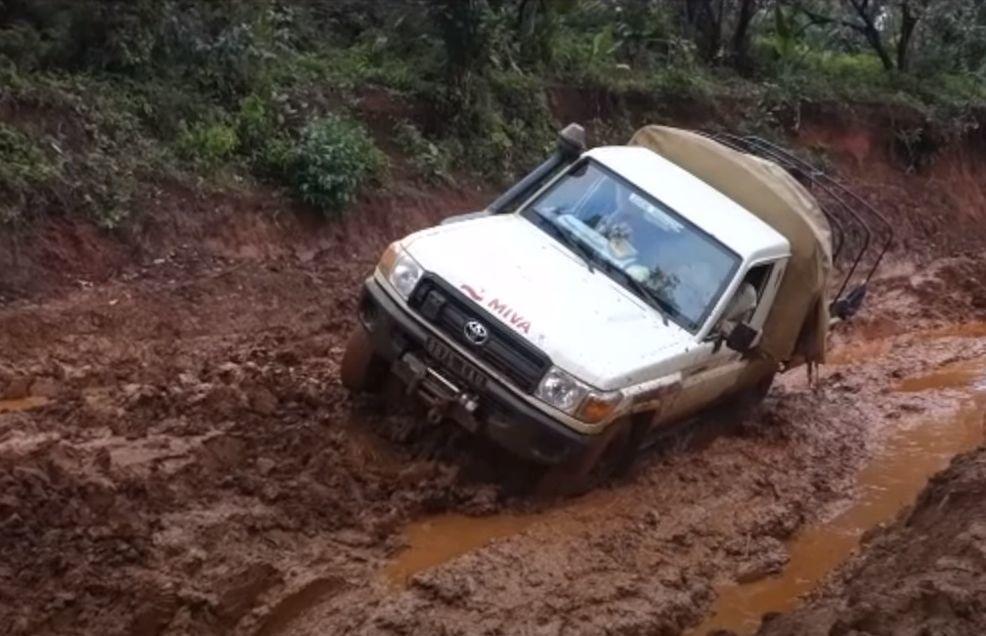 Razmere na Madagaskarju terjajo specialna vozila.